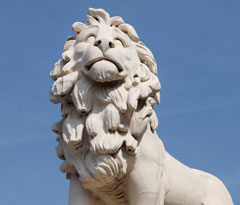 Lion statue in front of Westminster